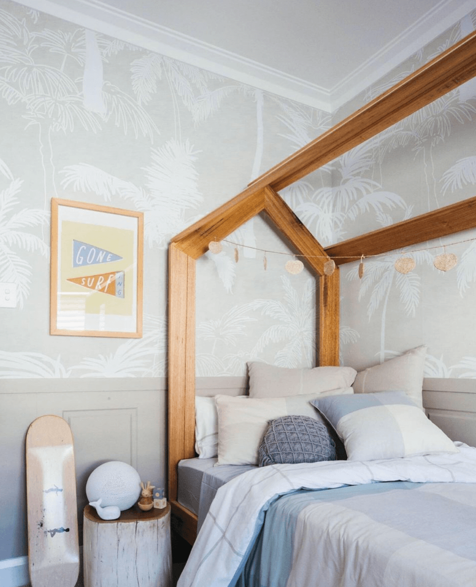 tropical palm tree wallpaper in bedroom